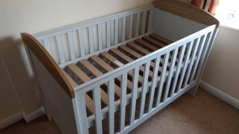 mamas papas crib bed assembled in East Midlands
